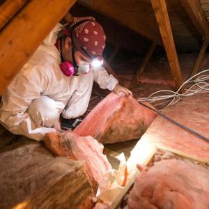 Inspection, problème d'isolation et moisissures au grenier