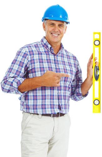 Professionnel en inspection de grenier