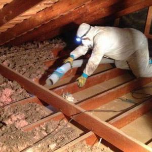 Travaux de décontamination de vermiculite dans l'entretoit, Repentigny