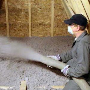 Isolation de toiture avec cellulose giclée